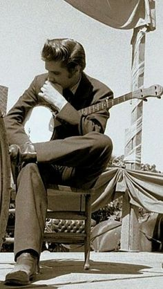 The KING with a banjo