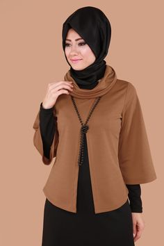 Blouse Dress with Pearl Necklace Taba Batik Fashion, Abaya Fashion, Fashion Sewing, Muslim Fashion, Fashion Dresses, Hijab Style Dress, Hijab Outfit, Designs For Dresses, Cardigan Fashion