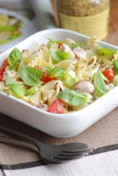 Une salade au saumon et ST MORET