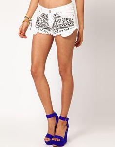 Patterned shorts <3