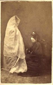Photographer: Frederick A. Hudson (England) Lady Helena Newenham and the Spirit of Her Daughter Albumen carte de visite, x 4 inches June 1872 Among the first spirit photographs made in Britain. Ghost Photography, Spirit Photography, Post Mortem Photography, Victorian Photography, Vintage Photography, Paranormal, Ghost Hunting, Memento Mori, Double Exposure