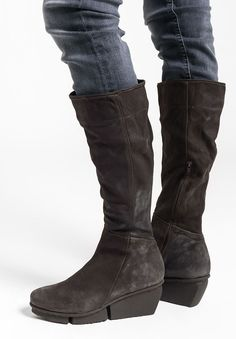 $495.00 | Trippen Dart Boot in Espresso | Trippen shoes are exceptional in design and committed to environmentally conscious production. Made from vegetable tanned leather and rubber soles for comfort. The dark grey leather calf boot is sleek and versatile. Sold online and in-store in Workshop in Santa Fe, New Mexico.