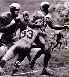Van Buren as a halfback but of a Philadelphia Eagles that dominated the NFL in the late Football Movies, Football Is Life, Football Gif, Football Photos, Sports Photos, Football Players, Nfc Championship Game, Nfl Championships, Americana Retro