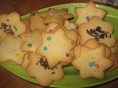 Posts about Soetkoekies written by and kreatiewekosidees Best Sugar Cookie Recipe, Best Sugar Cookies, Cookie Recipes, Desert Crafts, Frosting, Icing, Buttermilk Pound Cake, South African Recipes, Shortbread Cookies