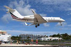 (NetJets) Gulfstream Aerospace G-IV-X Gulfstream G450  Philipsburg / St. Maarten - Princess Juliana (SXM / TNCM) St. Maarten, December 1, 2013