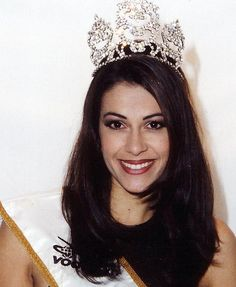 Miss SA - 1998 - Sonia Raciti, also second runner up at Miss World Miss Universe 1999, Beautiful Inside And Out, Miss World, Pageants, Beauty Pageant, African History, African Beauty, Beauty Queens, Annie