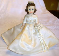 "Beautiful Vintage 1960's Madame Alexander 9"" Cissette Bride Doll"