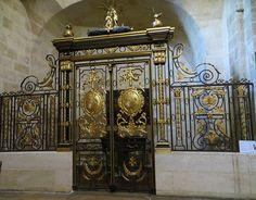 Grille des fonds baptismaux, église Notre-Dame, place du Chapelet, Bordeaux, Gironde, Aquitaine, France.