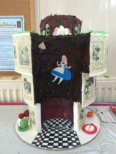 Alice in Wonderland. I freaking love this cake!