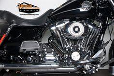 2010 Harley-Davidson® FLHRC - Road King® Classic Stock: U1114 | House of Harley-Davidson®