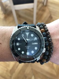 http://forums.watchuseek.com/f21/show-off-your-skx007-009s-262404-777.html