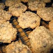 Grandma's Vintage Recipes: JOAN'S BANANA OATMEAL COOKIES