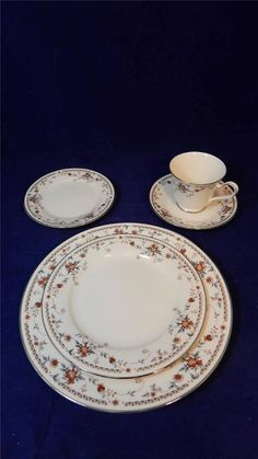 ONE 1978 Noritake Ivory China Adagio Victorian Floral 5-Pc Place Setting JAPAN