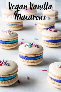 Vegan Vanilla Macarons with Sprinkles, and multi-color vegan buttercream filling. These macarons are perfect for birthdays! Including a video on how to make them. Macarons Vegan, Vanilla Macarons, Vegan Baking Recipes, Healthy Dessert Recipes, Aquafaba Recipes, Cookie Recipes, Vegan Chickpea Burger, Vegan Buttercream, Biscuits