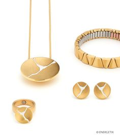 Fashionable bracelets, necklaces, rings and earrings. Men Necklace, Gold Necklace, Manequin, Magnetic Necklace, Massage Tools, Designs To Draw, Fashion Bracelets, Jewelry Design, Model