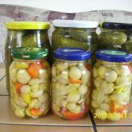 Fotografie receptu: Lak na okurky, houby, zeleninu Healthy Diet Recipes, Cooking Recipes, Fruit Preserves, Granola Bars, Kimchi, Pickles, Cucumber, Food To Make, Pesto