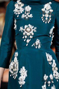 Oscar de la Renta's Fall, 2012 collection was all about the details.  (via Vogue, Photo: Marcio Madeira/firstVIEW)