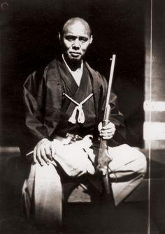 Les premiers ateliers de photographie japonais 1859-1872