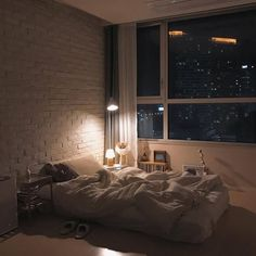 Add Personality To Your Space With This Interior Design Advice – Decoration Inspired Room Ideas Bedroom, Home Bedroom, Bedroom Decor, Bedrooms, City Bedroom, Dream Rooms, Dream Bedroom, Deco Studio, Dream Apartment