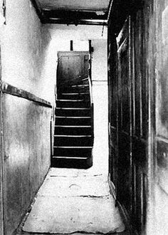 29 Hanbury Street Passageway near where the body of Annie Chapman was discovered. Read more about Annie Chapman here ==> http://whitechapeljack.com/the-whitechapel-murders/annie-chapman-aka-dark-annie/