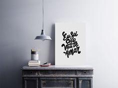 """Placa decorativa """"Eu Sei Que Vou Te Amar""""  Temos quadros com moldura e vidro protetor e placas decorativas em MDF.  Visite nossa loja e conheça nossos diversos modelos.  Loja virtual: www.arteemposter.com.br  Facebook: fb.com/arteemposter  Instagram: instagram.com/rogergon1975  #placa #adesivo #poster #quadro #vidro #parede #moldura"""