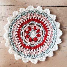 Crochet Mandala by @kellykellykellygreen