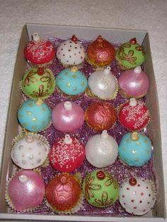 vánoční cupcakes   dorty od mámy Cheesecake Cupcakes, Easter Eggs, Desserts, Pop, Tailgate Desserts, Deserts, Popular, Pop Music, Postres