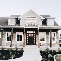 23 Fabulous Modern Farmhouse Exterior Design Ideas That Will Make You Feel Better ⋆ newport-internati. Office houses design plans exterior design exterior design houses home architecture house design houses