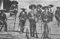 En esta imagen se pueden ver bandidos de Mexico; así es como se pueden imaginar los bandidos de la historia.