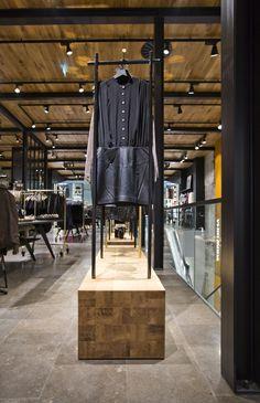 Vero Moda Flagship Store at Konigstrasse by Riis Retail Stuttgart Germany 23 Vero Moda Flagship Store at Königstrasse by Riis Retail, Stuttg...