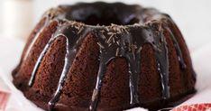 Tämä syntisen hyvä kahvikakku sopii parhaiten aikuiseen makuun. Kahvin maku tulee kakkuun kuorrutteesta, joka valutetaan suklaakakun päälle. Desserts, Food, Tailgate Desserts, Meal, Dessert, Eten, Meals, Deserts, Food Deserts