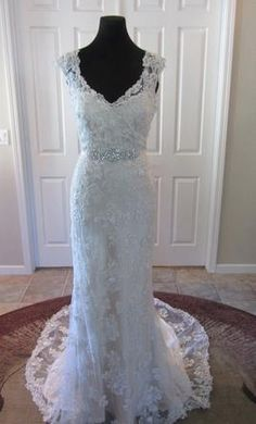 Maggie Sottero Lark 4MS870, find it on PreOwnedWeddingDresses.com