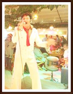 Elvis Tribute Act with popular Greg Traynor at Planet Yucca Kusadasi