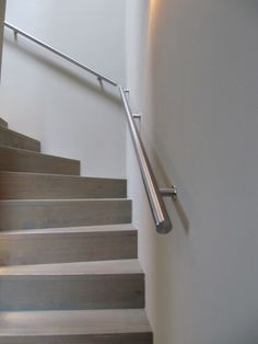 RVS trapleuning met verticale leuningdragers, maatwerk Lumigrip