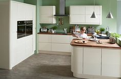 Love the units: B&Q Cooke & Lewis Appleby High Gloss Cream with Integrated Handle
