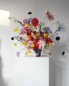 "MAUVE on Instagram: ""오늘의 수업 수강생분들 작품❤️"" Boho Flowers, Faux Flowers, Dried Flowers, Paper Flowers, Wedding Flowers, Floral Centerpieces, Floral Arrangements, Amazing Flowers, Beautiful Flowers"