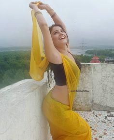 Beautiful Girl In India, Beautiful Saree, Beautiful Indian Actress, Beautiful Gorgeous, Beautiful Women, Beauty Full Girl, Beauty Women, Women's Beauty, Bollywood Girls