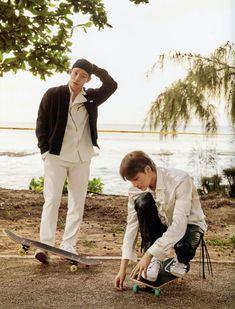 your source for official, high-resolution photos of sm entertainment's boy group, exo! Lightstick Exo, Exo Chen, Baekhyun Chanyeol, Exo Ot12, Kaisoo, Exo Official, Exo Members, K Pop, Photo Book