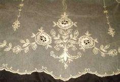 Vintage lace detail