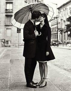 Love Story by Nikolay Biryukov for Elle Ukraine September 2012 – Black and White - Photography - Portrait - Couple- Love Couple In Love, White Couple, Anne Laure, Kissing In The Rain, Couple Kissing, Foto Casual, Under My Umbrella, Clear Umbrella, White Umbrella