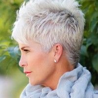 spiky short hairstyle for grey hair