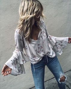 Boho clothes, jewelry and bags have rocked the fashion world. Boho has been immensely popular both with celebrities with masses alike. Let us look over on Boho Boho Outfits, Casual Outfits, Fashion Outfits, Boho Chic Outfits Summer, Hippie Chic Outfits, Boho Fashion Summer, Casual Dresses, Fashion Spring, Work Dresses