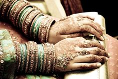 Beautiful henna - love the brown, beige and turq motif! Big Fat Indian Wedding, Indian Wedding Jewelry, Indian Jewelry, Indian Bangles, Indian Bridal, Indian Weddings, Ethnic Jewelry, Gold Jewellery, Indian Accessories