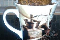 Příprava receptu Snídaňový hrnek za 5 minut, krok 1 Mugs, Tableware, Fitness, Dinnerware, Tumbler, Dishes, Mug, Keep Fit, Place Settings