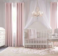 Increíble para una pequeña princesita! se puede quitar perfectamente la cuna y hacer el cuarto para más grande!