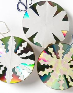 Great use for old CDs!  Glowflake or Glowball - - Re-pinned by @PediaStaff – Please Visit http://ht.ly/63sNt for all our pediatric therapy pins