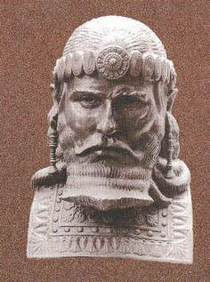 Assyrian Staues in Museums: Esarhaddon,assyrian king 609-668 BCE