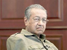 KUALA LUMPUR: Ehemalige malaysische premier Mahathir Mohamad ist als Vorsitzender des nationalen Automobilhersteller Proton Holdings, effektive 30. M�... #Proton #Malaysia #KualaLumpur #international