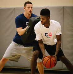 Nerlens Noel works on his post moves with a private coach. We filmed his training sessions to show the proper form and execution for five of his post moves.