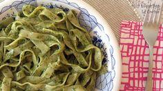 Twittear     El pesto de albahaca (pesto di basilico) es una de las salsas clásicas de la cocina italiana. Es típico de l...